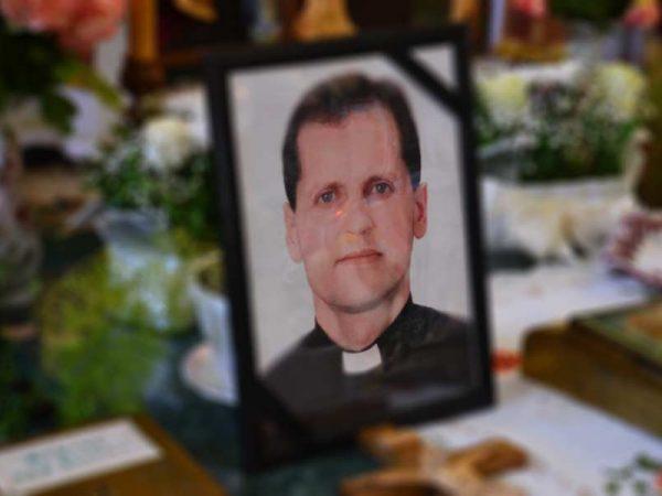 Похорон отця Юрія Костика