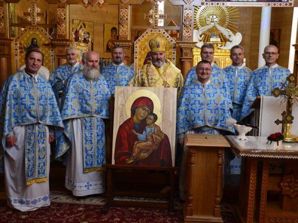 Владика Василій Івасюк очолив прощу спільнот Доброї Смерті у Погоні