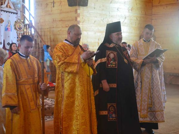 Владика Василій уділив дияконські свячення у с. Вороненко