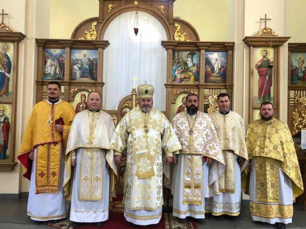 Владика Василій Івасюк взяв участь у відкритті пам'ятника Блаженнішому Патріарху Любомиру Гузару.