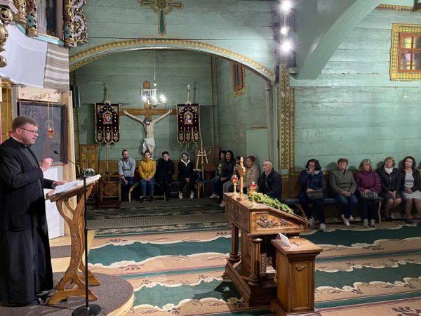 На парафії Благовіщення Пречистої Діви Марії м. Коломиї розпочалися зустрічі для подружь.