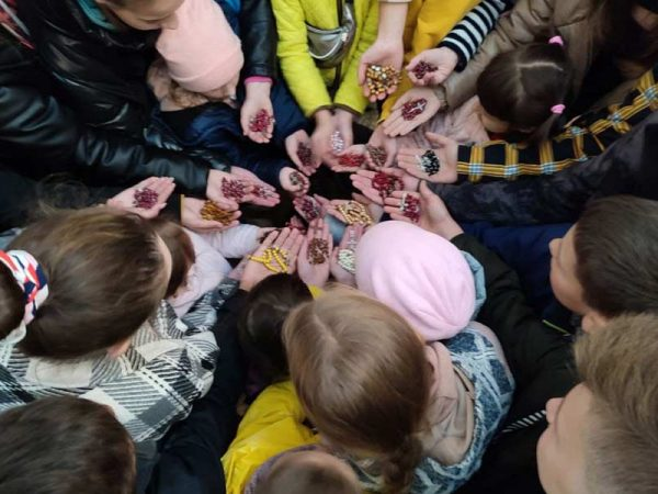 Діти із парафій Коломийської єпархії долучилися до ініціативи «Мільйон дітей моляться вервицю»
